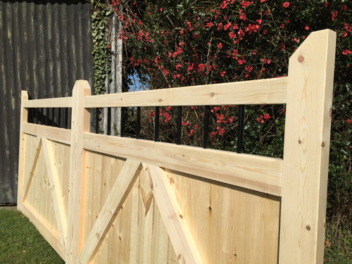 Wooden Driveway Gates With Black Spindles 3 6 High