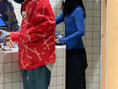 [الآراء] جي دراغون الذي ظهر مرتدياً Stüssy في محطة أبجوجونغ بالأمس