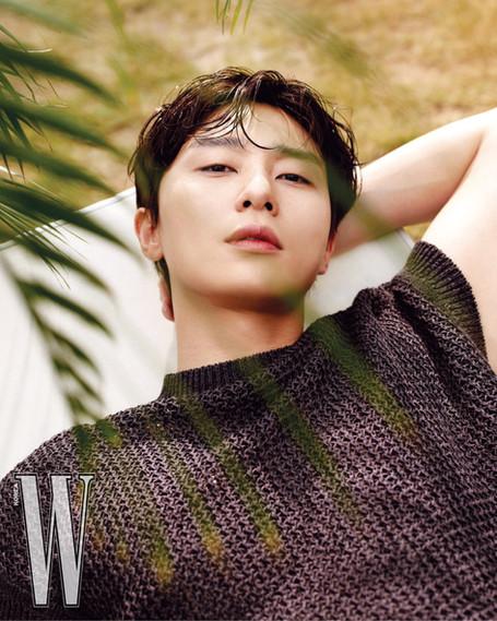 بارك سوجون لمجلة W Korea عدد شهر يوليو