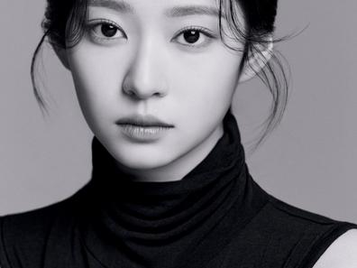 [الآراء] كيم مينجو قامت بنشر صور ملفها الشخصي كممثلة