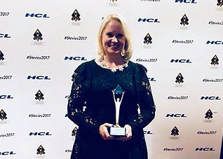 Hannah Perry wins the 2017 Stevie Award for Women in Business