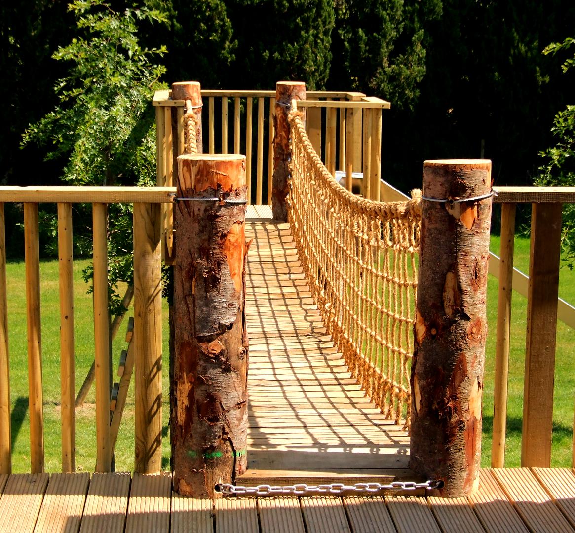 Rope and plank bridge, Hampshire