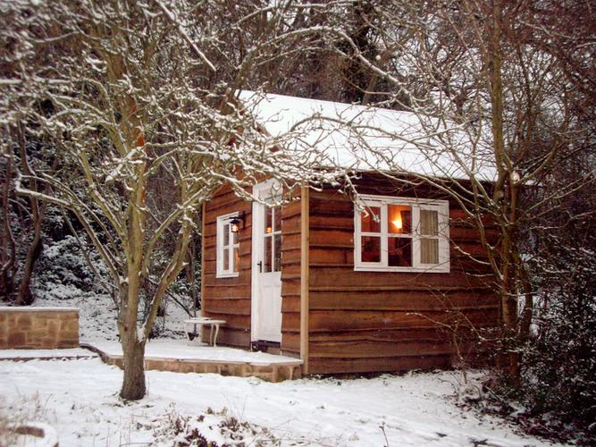 Cosy garden office