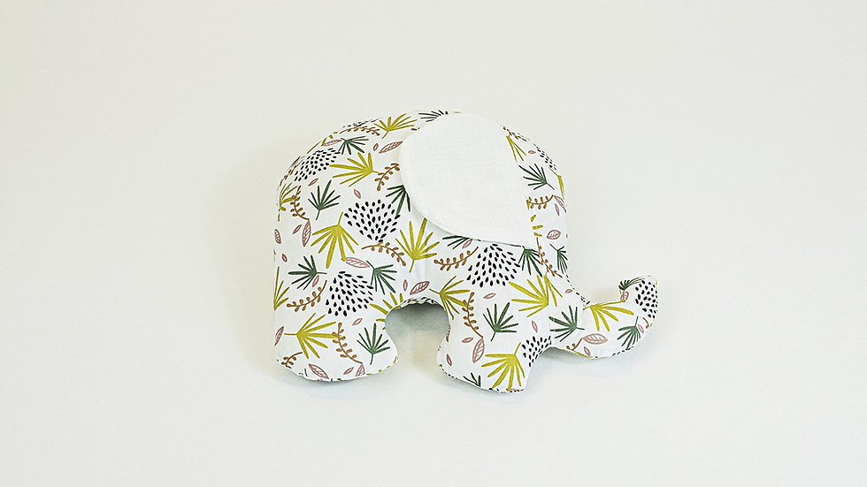 Petit éléphant câlin végétal