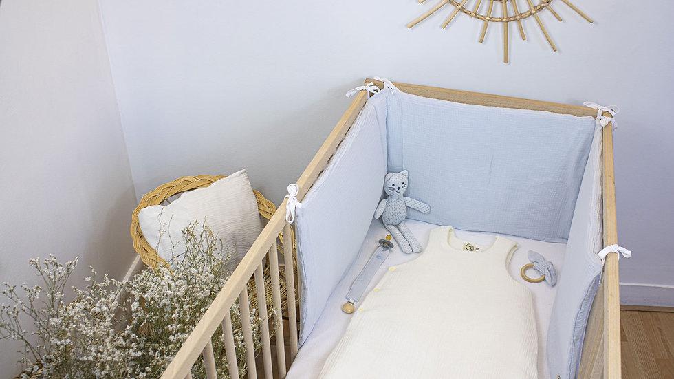 Tour de lit bleu dragée en gaze de coton