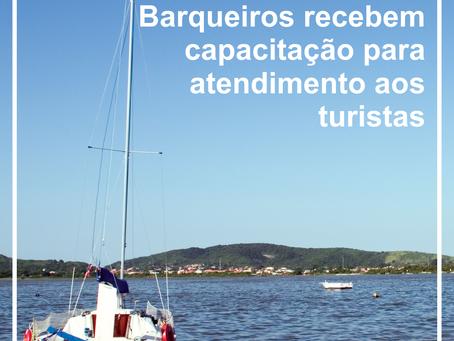 Taxistas e barqueiros recebem capacitação para atendimento aos turistas