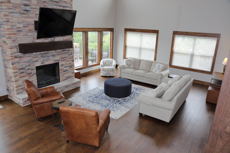 921A8021 - unit 2 upper living room