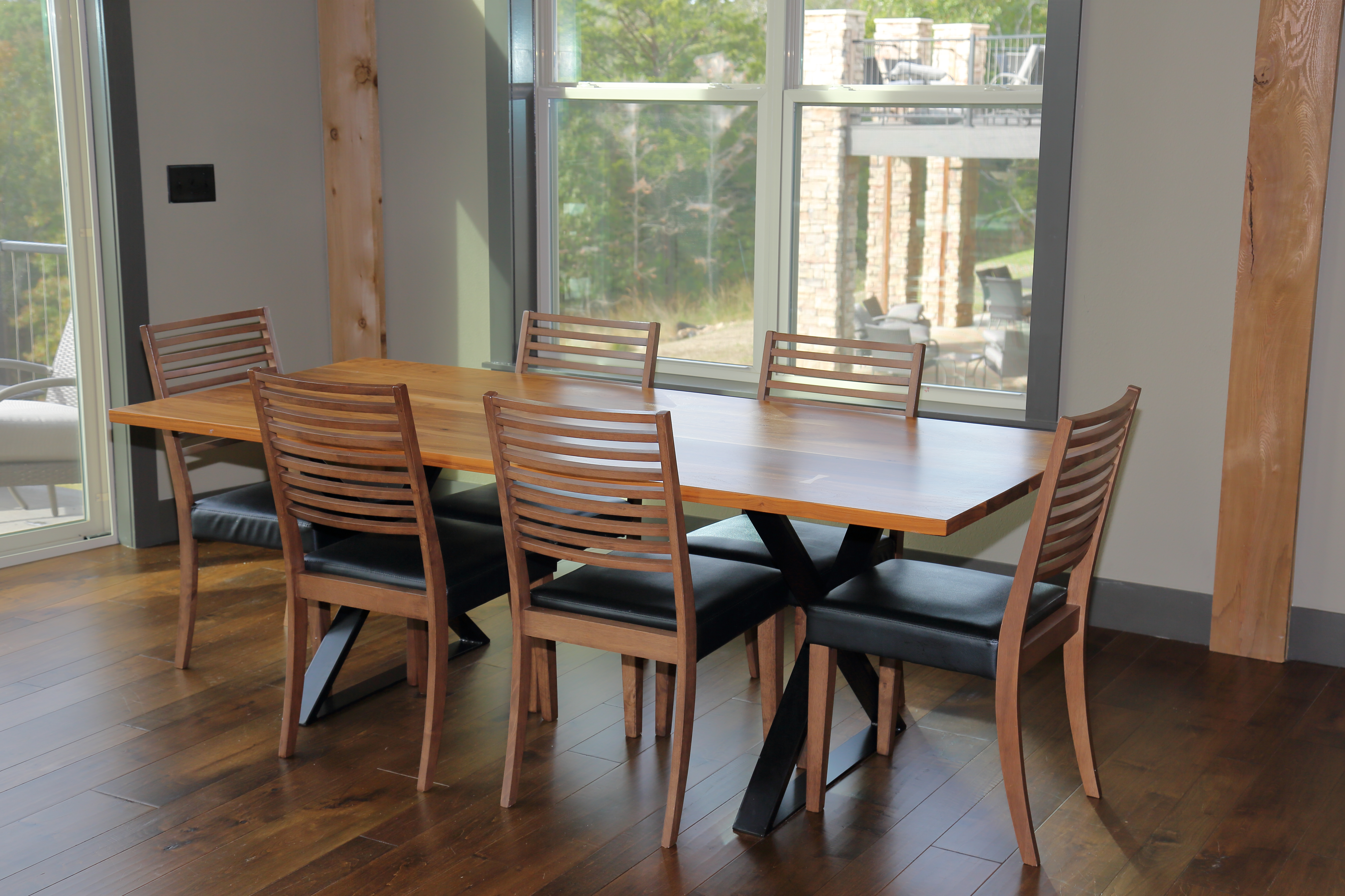 921A1820 - ML Dining Area