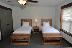 921A8078 - singles room