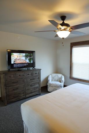 921A8091 - Queen Bedroom.JPG