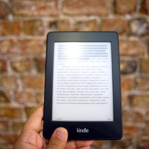 Kindle Paperwhite マンガモデルを1年使ってみての感想