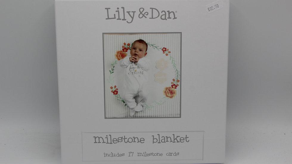 Milestone Blanket White