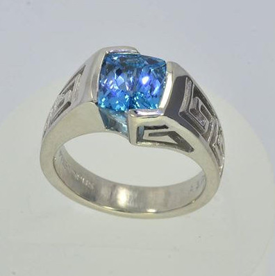 Greek Citizenship Memorial Ring  with intense blue Aquamarine from Santa Maria Mine, Brazil