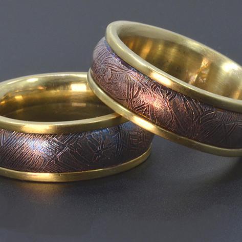 18K Yellow Gold Wedding Ring with Gibeon Meteorite Center