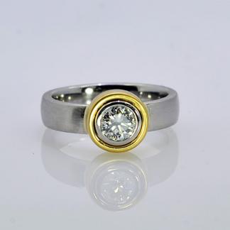 Platinum 18K Yellow Gold Diamond Ring