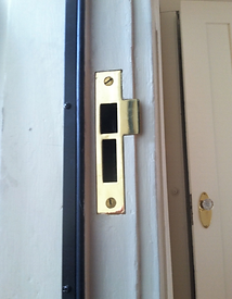 damaged door jamb repair completed by Raven rRstoration