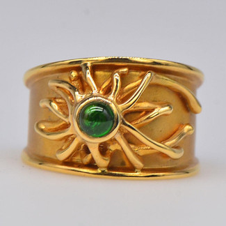 18K Sun Ring with Cabochon Emerald
