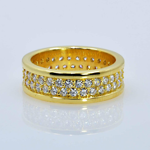 18K Pavé Wedding Ring set with 64 Diamonds