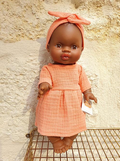 Ensemble poupée Minikane avec sa jolie tenue colorée
