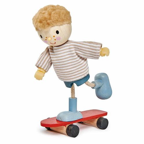 Poupée flexible en bois, garçon avec son skateboard