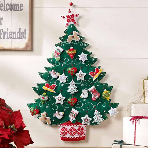 Bucilla Felt Kit - Nordic Christmas Tree Advent Calendar
