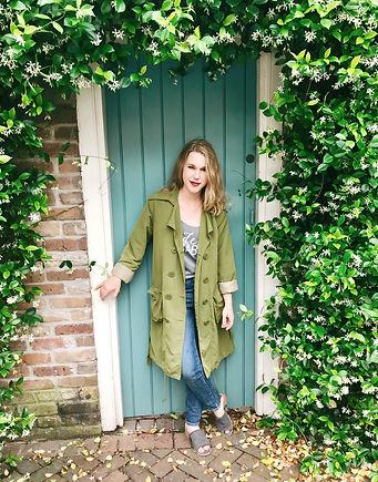 Ashlyn, the Hysterical Blog founder