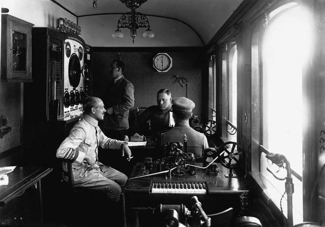 Bödők Gergely rádió-interjúja a Vörös Hadsereg felvidéki hadjáratáról. Kossuth Rádió, Tér-idő, 2018.