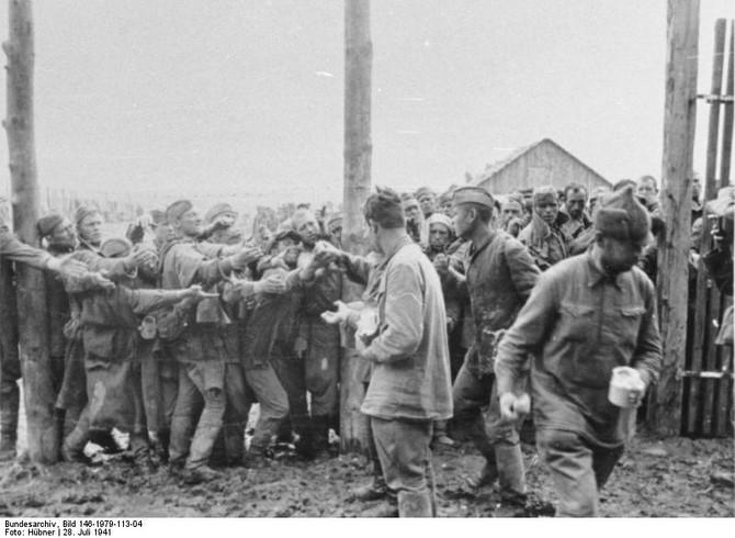 Fóris Ákos: Németország megsemmisítő háborúja a Szovjetunióban. Ujkor.hu