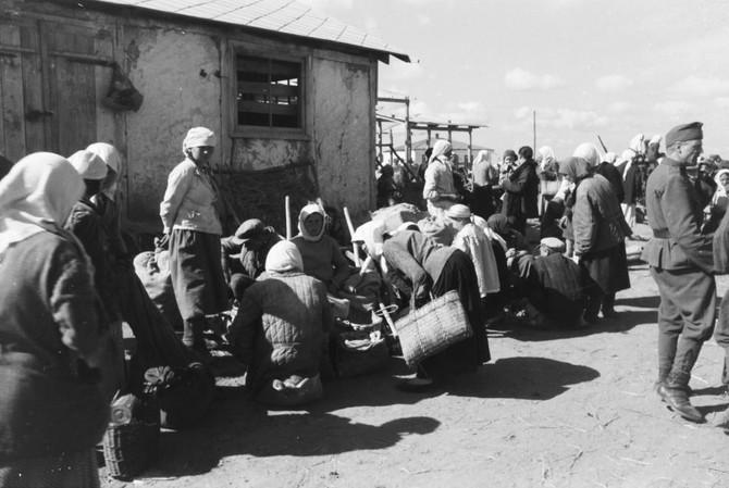 Magyar katonák és nők a keleti fronton (1942-1944)