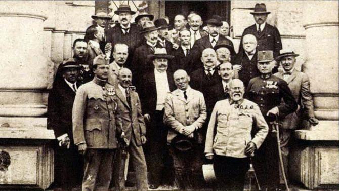 """""""A magyar burzsuj csak túsznak kell, főleg, ha zsidó"""". Index beszámoló a Tanácsköztársaság"""