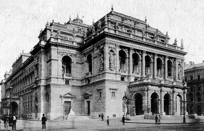 Thália Arész szolgálatában: Színház és színházi élet Magyarországon a Nagy Háború alatt