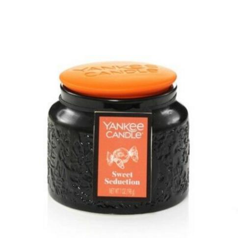 Yankee Candle Halloween Medium Jar Sweet Seduction
