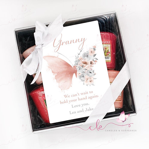 Personalised Yankee Candle Votive Gift Set - Pink Butterfly - Fly