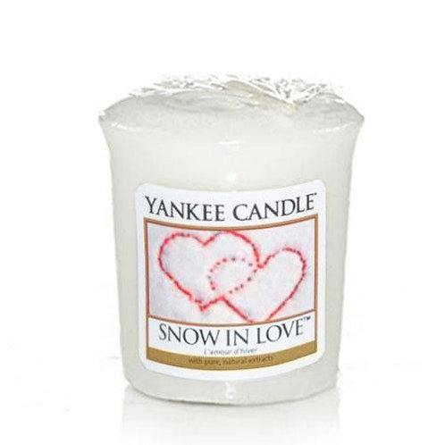 Yankee Candle Votive Candle Snow in Love