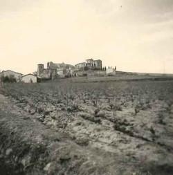 Village vu depuis la route de Roubia