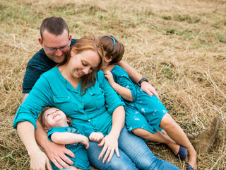 Family Photos with Your Little Ones: Capturing Real Life is Most Beautiful