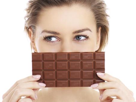 A páscoa está aí e a pergunta que não quer calar: o chocolate prejudica a pele!?