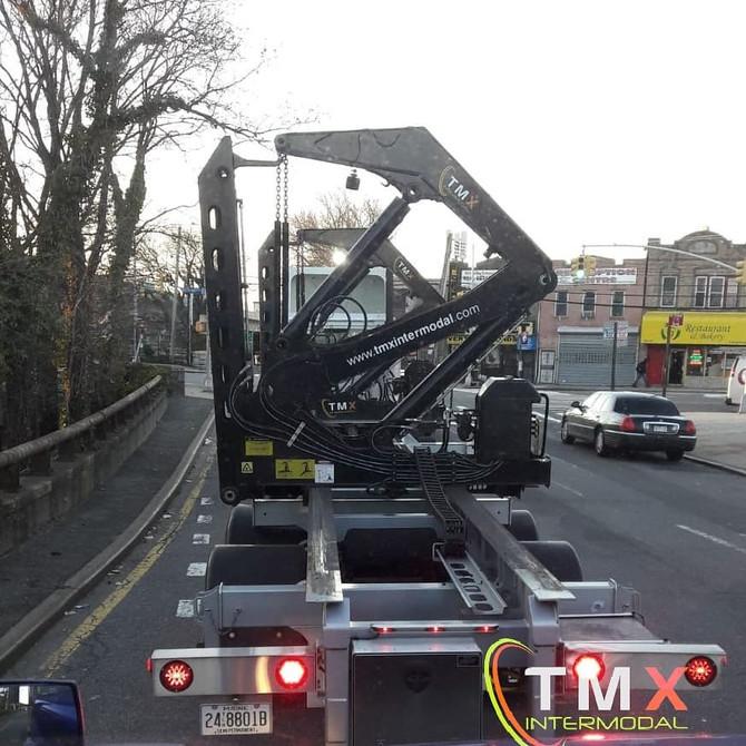 Sideloader, Sidelifter, NY/NJ NorthEast Ground Lift?