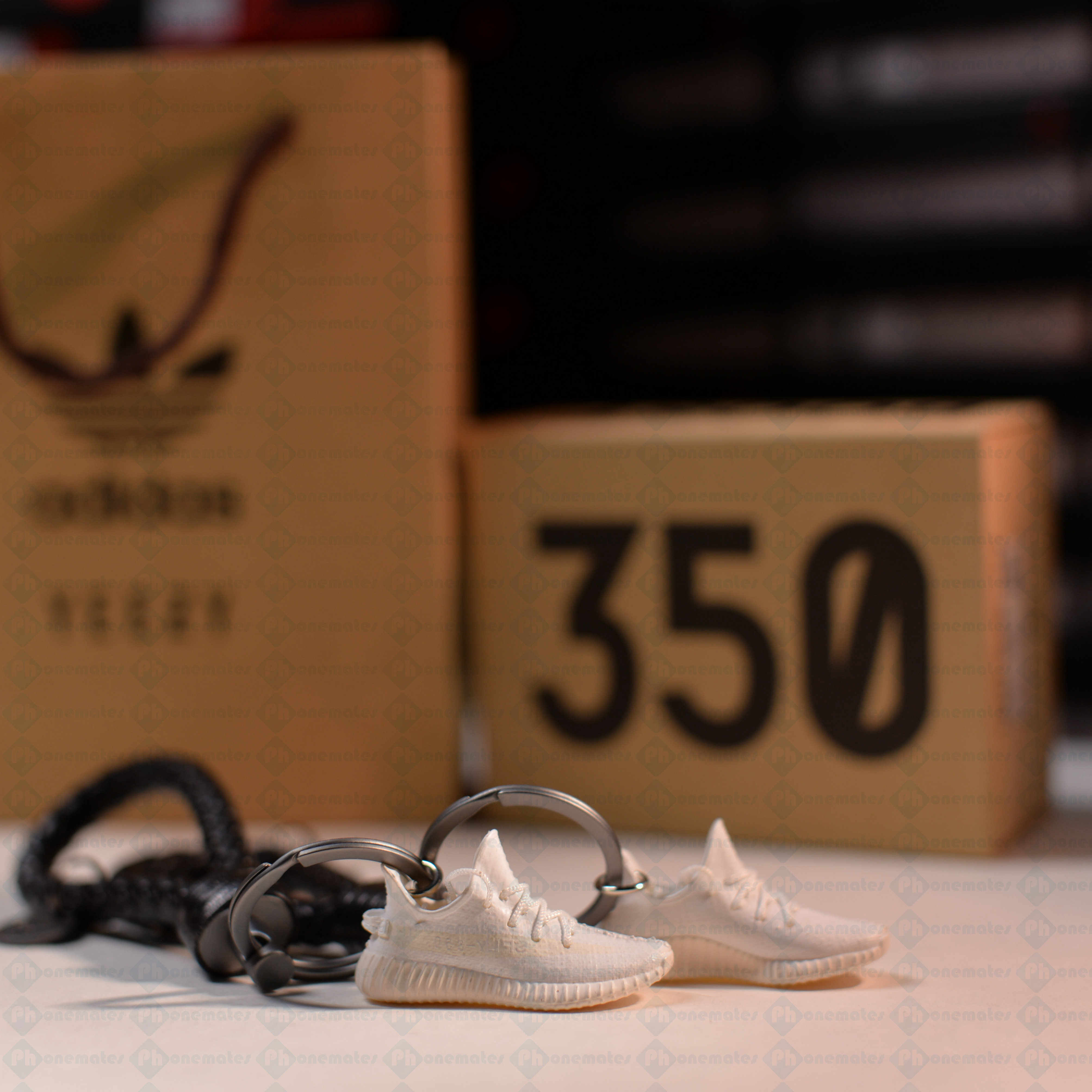 136b37fb1a2f Yeezy Boost 350 V2 Cream White 3D Mini Sneaker Keychains with Box and Bag