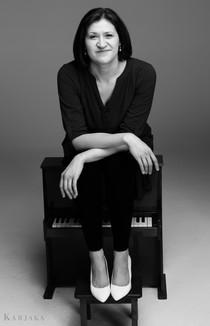 Karjaka Studios - 5HE - Katherine Peters