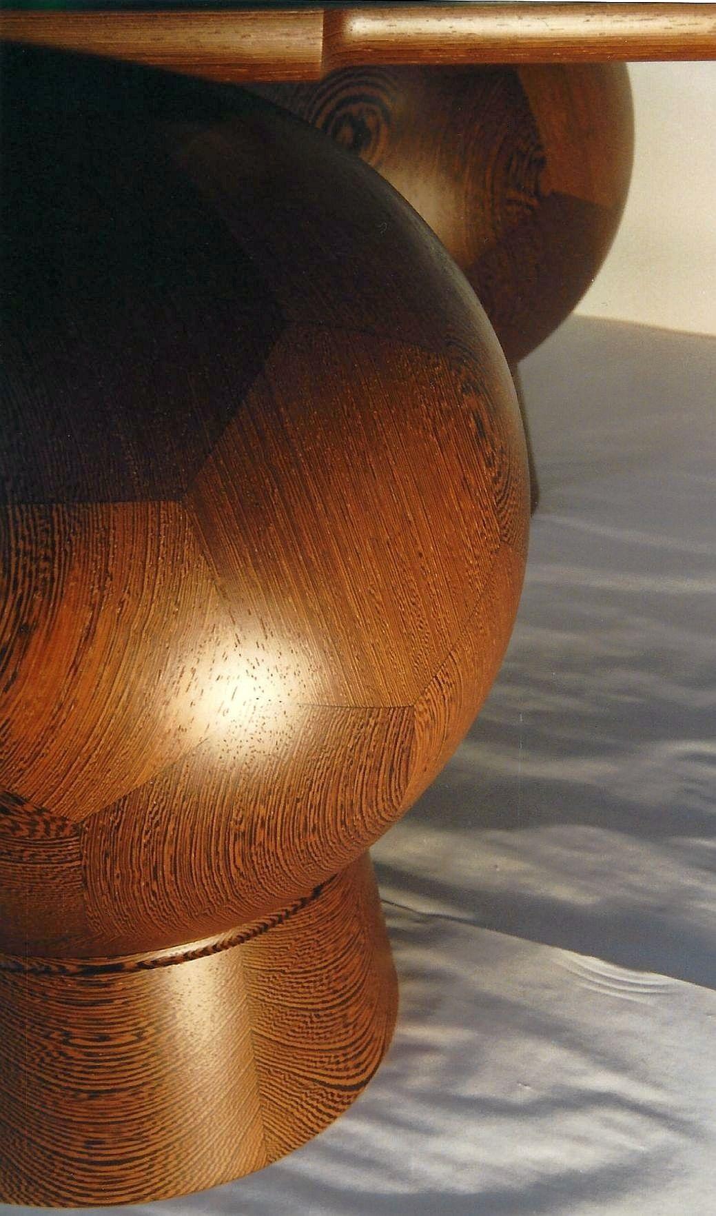 Gedrechselt: sphärische Kugelform