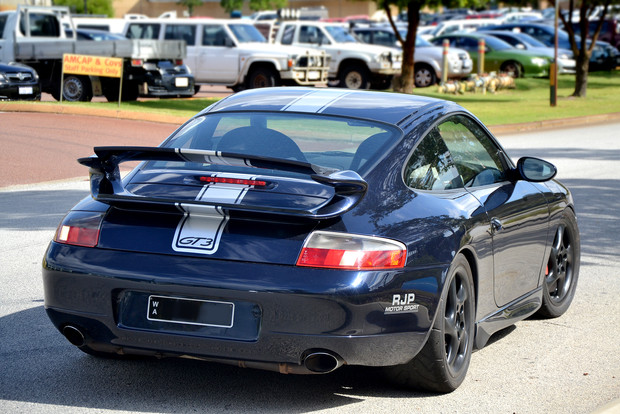 Porsche Silver Striping 1.jpg