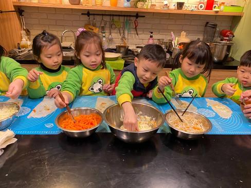 米老鼠班廚藝-潤餅_210325_9.jpg