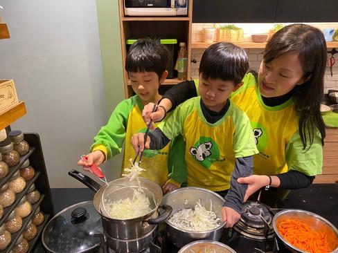 米老鼠班廚藝-潤餅_210325_7.jpg