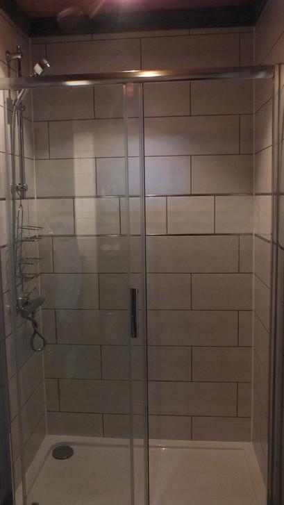 Rm 6 shower.JPG