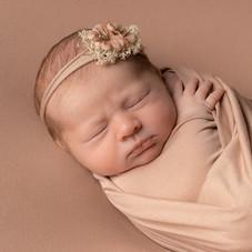 Verina-Litster-Newborn-Square-10.jpg