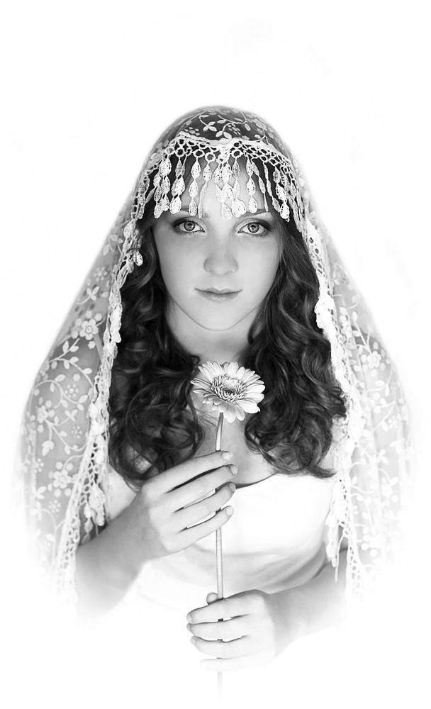 Verina-Litster-Headshots-13a.jpg
