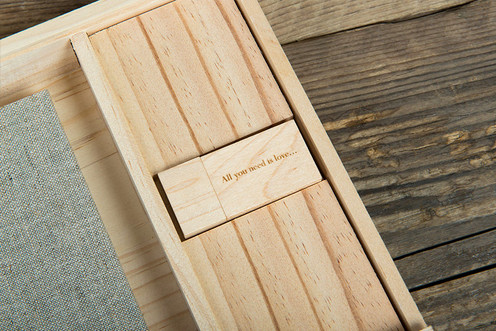 Wooden-Book-&-USB-Box-003.jpg