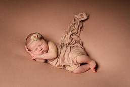 Verina-Litster-Newborn-Landscape-14.jpg