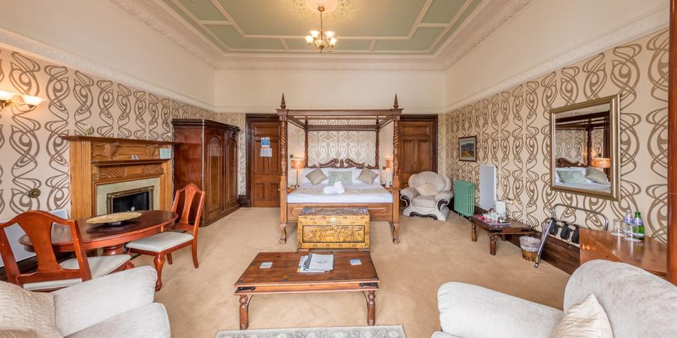 honeymoon-junior-suite (3).jpg